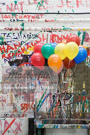 Balloons in art classroom Stock Photo - Premium Royalty-Free, Image code: 614-01755838