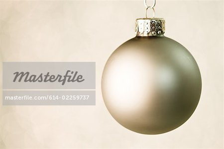 Christmas bauble Stock Photo - Premium Royalty-Free, Image code: 614-02259737