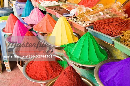 Colourful powders in mysore market Stock Photo - Premium Royalty-Free, Image code: 614-02984301
