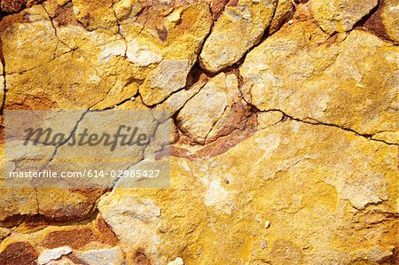 Close up image of cracked rocks Stock Photo - Premium Royalty-Free, Image code: 614-02985427