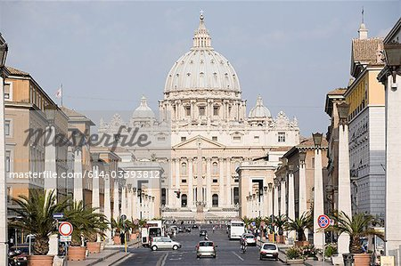 St Peter's, Vatican City, Rome, Italy Stock Photo - Premium Royalty-Free, Image code: 614-03393812