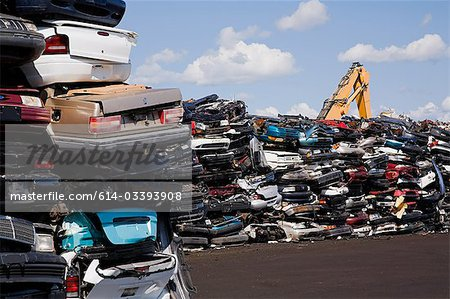 Cars in scrap yard Stock Photo - Premium Royalty-Free, Image code: 614-03393908