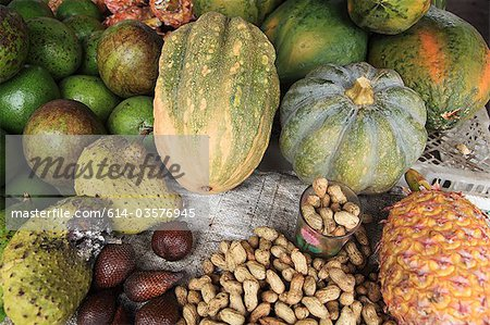 Indonesian fruit, vegetables and nuts Stock Photo - Premium Royalty-Free, Image code: 614-03576945