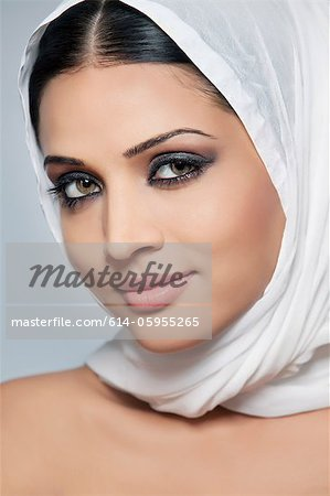Portrait of a beautiful woman Stock Photo - Premium Royalty-Free, Image code: 614-05955265