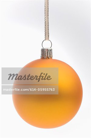 Yellow christmas bauble Stock Photo - Premium Royalty-Free, Image code: 614-05955763