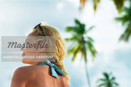 Head and shoulders of woman on vacation Stock Photo - Premium Royalty-Free, Image code: 614-06002597