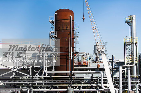 Storage tanks of oil refinery Stock Photo - Premium Royalty-Free, Image code: 614-06974154