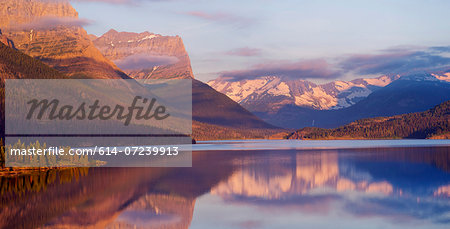 St Mary Lake, Glacier National Park, Montana, USA Stock Photo - Premium Royalty-Free, Image code: 614-07239913
