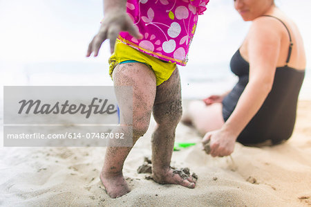 Mother and daughter by seaside Stock Photo - Premium Royalty-Free, Image code: 614-07487082