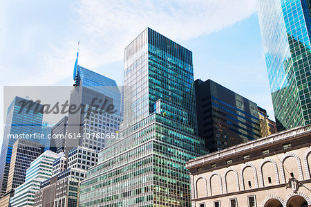 Office buildings and skyscrapers in financial district, Manhattan, New York, USA