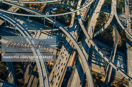 Aerial view of curved flyovers and highways, Los Angeles, California, USA Stock Photo - Premium Royalty-Free, Image code: 614-08148482