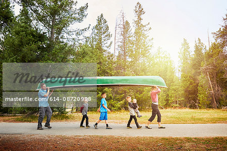 Family with four children carrying canoe, Grand Teton National Park, Wyoming, USA Stock Photo - Premium Royalty-Free, Image code: 614-08720988