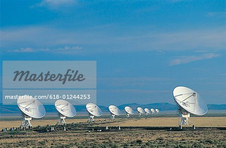 Radar dishes Stock Photo - Premium Royalty-Free, Image code: 618-01244253