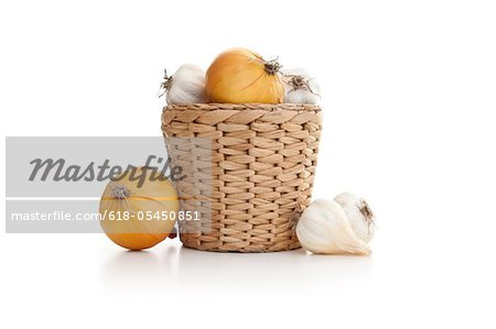 Garlic and raw potato Stock Photo - Premium Royalty-Free, Image code: 618-05450851