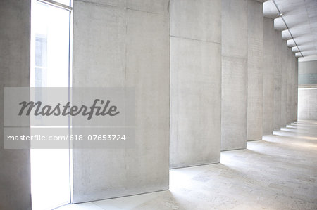 Lobby of empty office building Stock Photo - Premium Royalty-Free, Image code: 618-07653724
