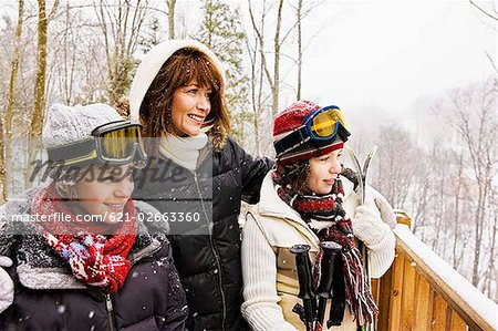 Family outdoors during winter Stock Photo - Premium Royalty-Free, Image code: 621-02663360