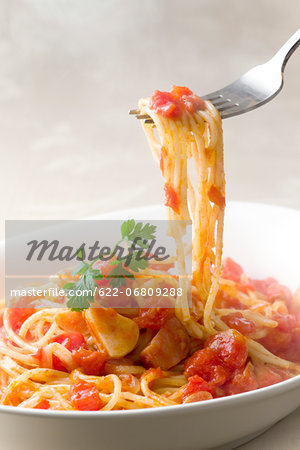Spaghetti with tomato sauce Stock Photo - Premium Royalty-Free, Image code: 622-06809288