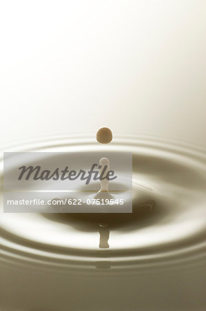Water ripples Stock Photo - Premium Royalty-Free, Image code: 622-07519545