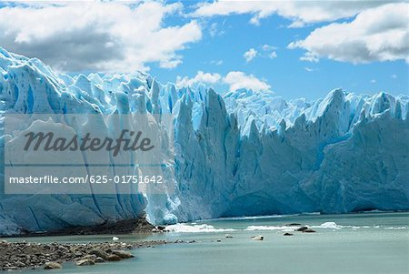 Low angle view of glaciers, Moreno Glacier, Argentine Glaciers National Park, Lake Argentino, El Calafate, Patagonia Stock Photo - Premium Royalty-Free, Image code: 625-01751642