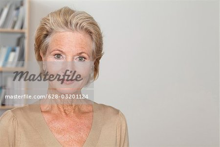 Confident senior woman Stock Photo - Premium Royalty-Free, Image code: 628-03201124