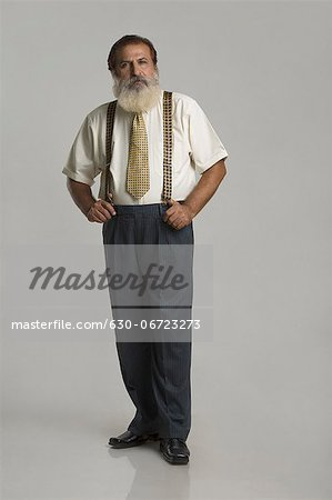 Portrait of a man standing Stock Photo - Premium Royalty-Free, Image code: 630-06723273
