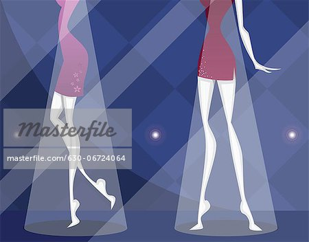 Mannequins at window display of a showroom Stock Photo - Premium Royalty-Free, Image code: 630-06724064