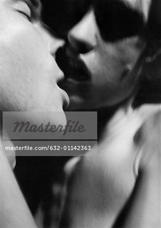 Nude couple kissing, close-up, b&w Stock Photo - Premium Royalty-Free, Image code: 632-01142363