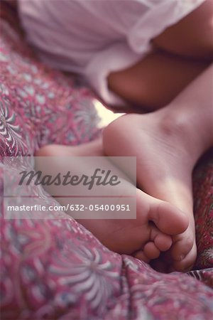 Little girl's feet Stock Photo - Premium Royalty-Free, Image code: 632-05400951