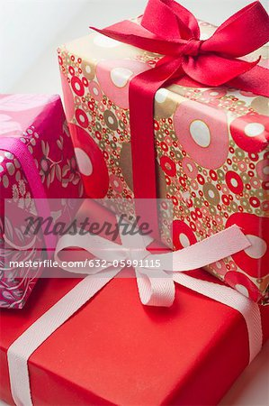 Festively wrapped gifts Stock Photo - Premium Royalty-Free, Image code: 632-05991115