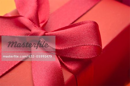 Festively wrapped gift, close-up Stock Photo - Premium Royalty-Free, Image code: 632-05991479