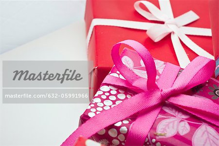 Festively wrapped gifts Stock Photo - Premium Royalty-Free, Image code: 632-05991966