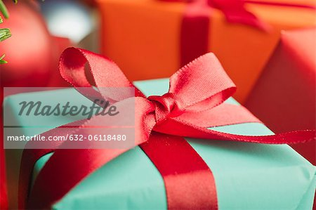 Festively wrapped Christmas gift, close-up Stock Photo - Premium Royalty-Free, Image code: 632-06118480