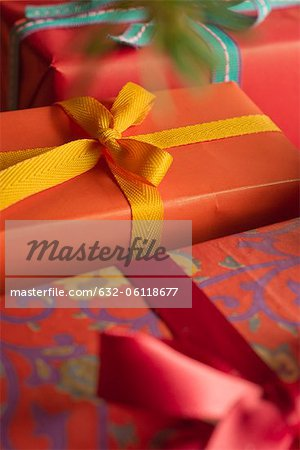 Festively wrapped Christmas gifts, close-up Stock Photo - Premium Royalty-Free, Image code: 632-06118677