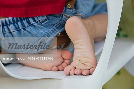 Boy's bare feet Stock Photo - Premium Royalty-Free, Image code: 632-06118766