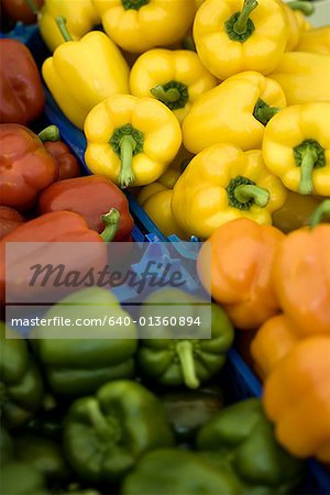 High angle view of bell peppers Stock Photo - Premium Royalty-Free, Image code: 640-01360894
