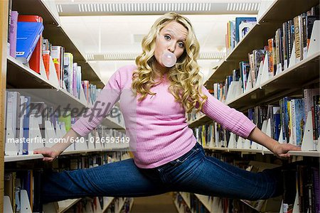 in the library Stock Photo - Premium Royalty-Free, Image code: 640-02659349