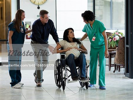 USA, Utah, Payson, Pregnant woman in labor at hospital Stock Photo - Premium Royalty-Free, Image code: 640-06050779
