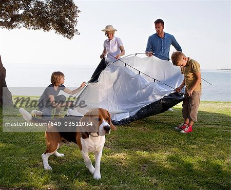 Family camping by the sea Stock Photo - Premium Royalty-Free, Image code: 649-03511034