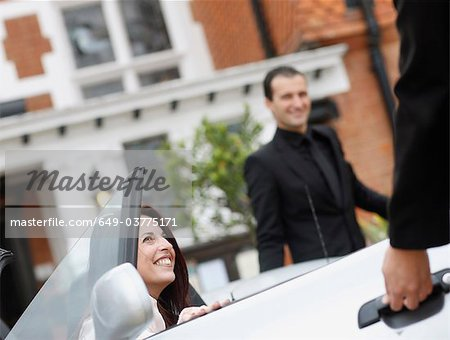 Guest arrival Stock Photo - Premium Royalty-Free, Image code: 649-03775171
