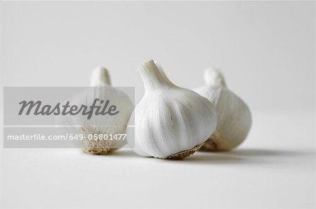 Close up of heads of garlic Stock Photo - Premium Royalty-Free, Image code: 649-05801477