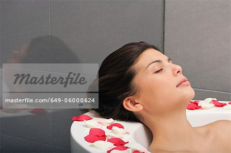 Woman relaxing in bath Stock Photo - Premium Royalty-Free, Image code: 649-06000624