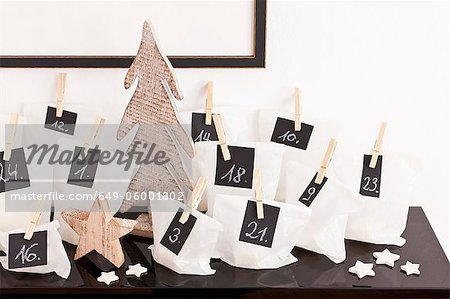 Numbered bags on desk Stock Photo - Premium Royalty-Free, Image code: 649-06001802
