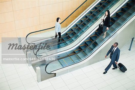 Business people in lobby area Stock Photo - Premium Royalty-Free, Image code: 649-06040636