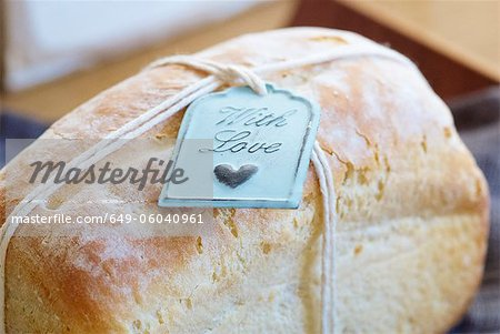 Close up of tag on fresh baked bread Stock Photo - Premium Royalty-Free, Image code: 649-06040961