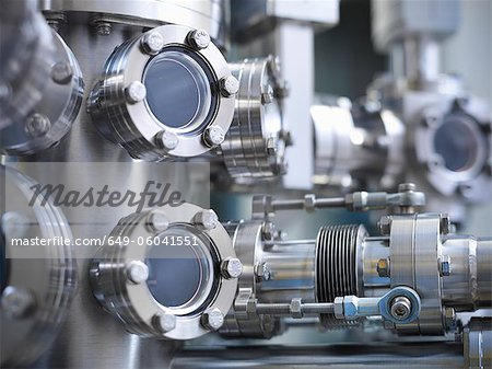 Close up of vacuum chamber in lab Stock Photo - Premium Royalty-Free, Image code: 649-06041551