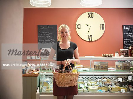 Woman shopping in grocery store Stock Photo - Premium Royalty-Free, Image code: 649-06353037