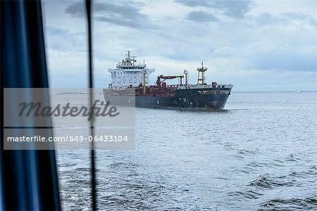 Ship sailing on sea Stock Photo - Premium Royalty-Free, Image code: 649-06433104