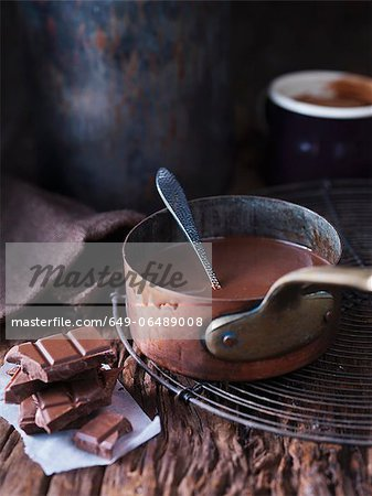 Pan of melted chocolate Stock Photo - Premium Royalty-Free, Image code: 649-06489008