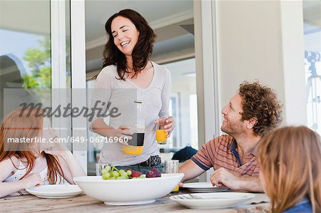 Family having breakfast together Stock Photo - Premium Royalty-Free, Image code: 649-06716960