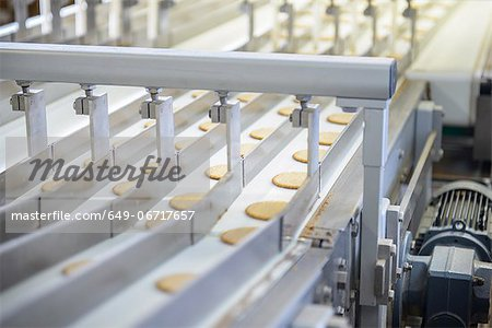 Biscuits on production line in factory Stock Photo - Premium Royalty-Free, Image code: 649-06717657